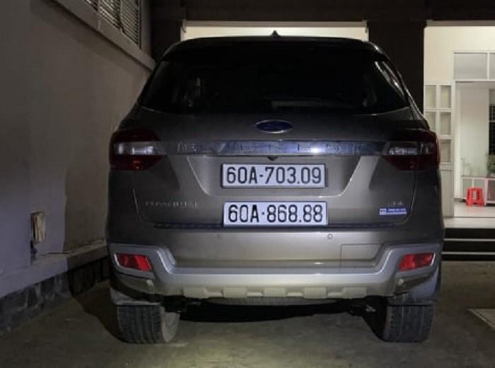 Tạm giữ ô tô gắn biển số 'siêu đẹp' giả ở Đồng Nai - ảnh 1