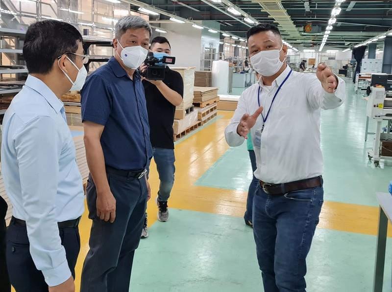 Thứ trưởng Bộ Y tế kiểm tra công tác phòng chống COVID-19 ở Đồng Nai - ảnh 1