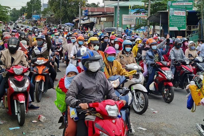 Đồng Nai: Lo lắng về tình trạng di dân, thiếu hụt lao động - ảnh 2