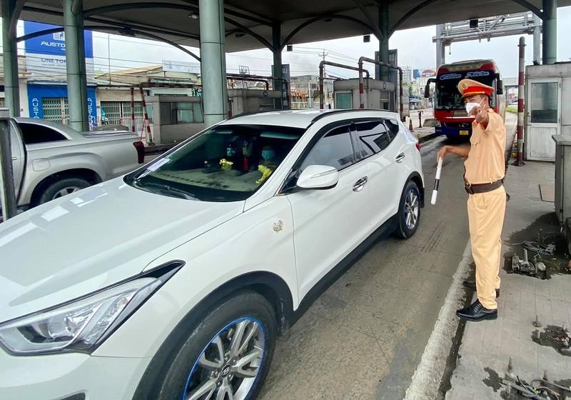 Chưa cho người lao động đi xe cá nhân từ TP.HCM đến Đồng Nai - ảnh 1