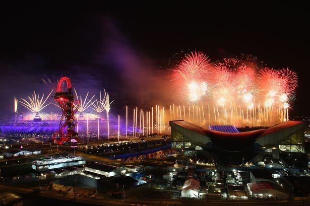 Khai mạc Olympic Rio: Bên trong hoành tráng, bên ngoài đốt cờ - ảnh 3