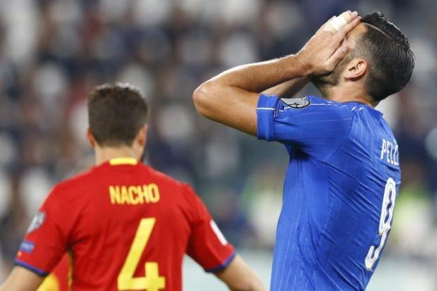 Không bắt tay HLV, tuyển thủ Ý bị 'trảm' - ảnh 1