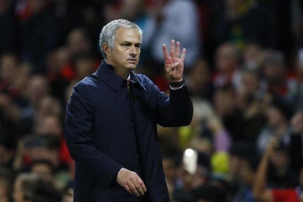 Mourinho lại bị… thần khẩu hại xác phàm - ảnh 1