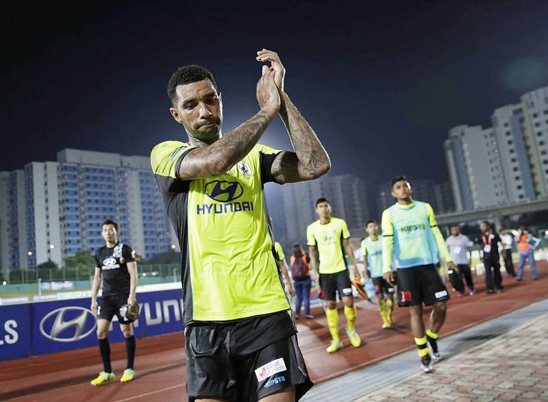 'Có Messi đến cũng không cứu nổi S-League' - ảnh 1