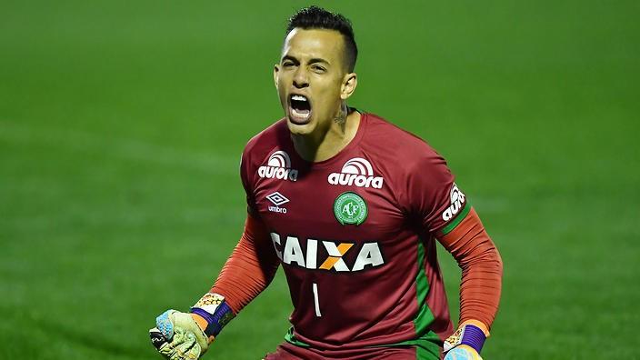 Brazil tôn vinh thủ môn qua đời vì tai nạn máy bay - ảnh 1