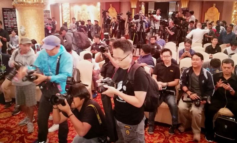 HLV Riedl: Indonesia vẫn là đội kèo dưới - ảnh 1