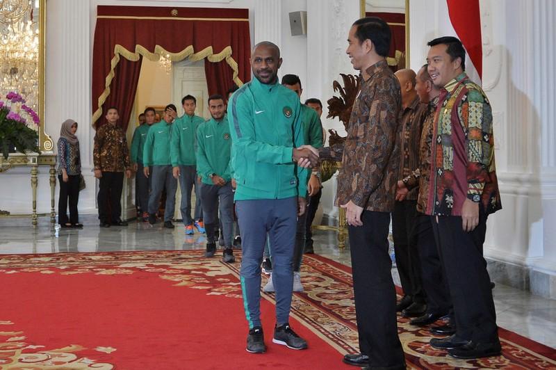 Mỗi cầu thủ Indonesia được Tổng thống tặng 15 ngàn USD - ảnh 1