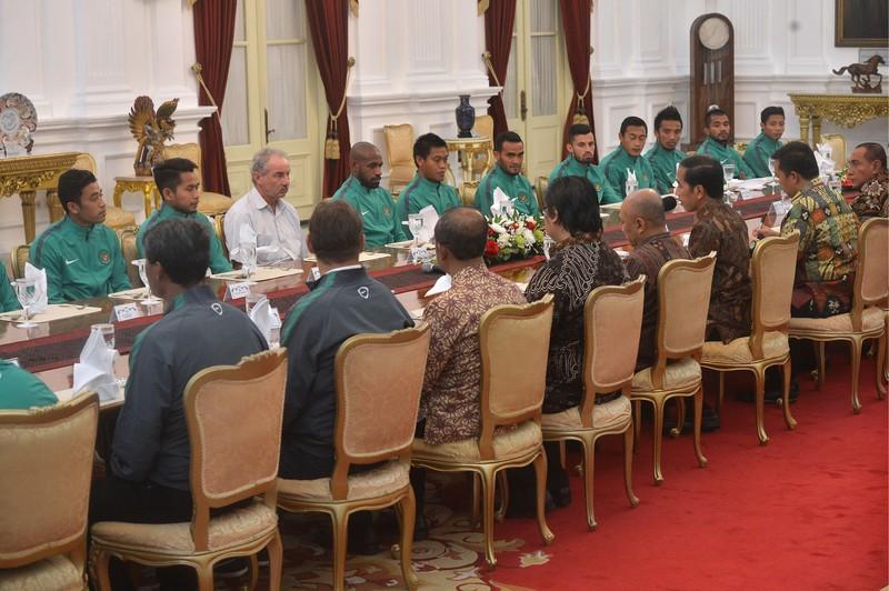 Sao Indonesia xin lỗi tổng thống vì hành vi phản cảm - ảnh 1