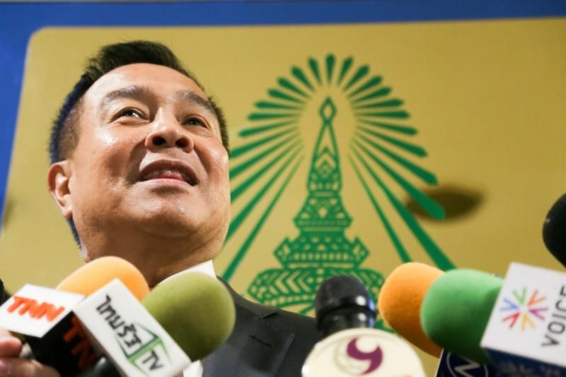 Chủ tịch LĐBĐ Thái Lan xoa dịu Kiatisak - ảnh 1