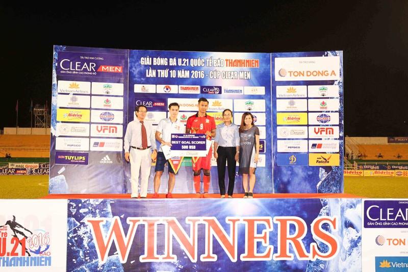 Giải U-21: Yokohama vô địch, Văn Toàn ẵm 3 giải - ảnh 3