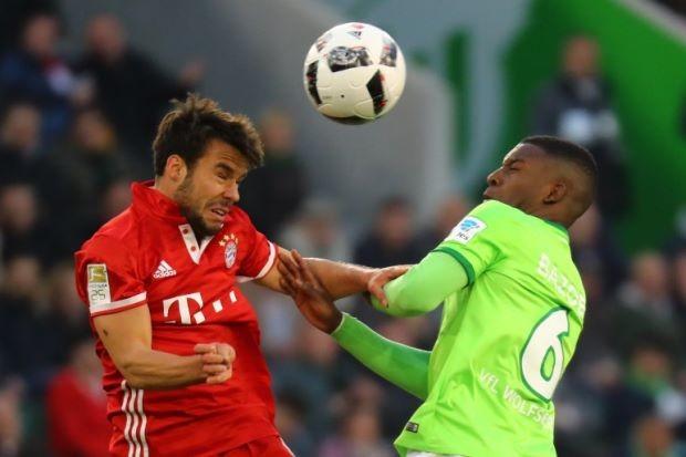 Đêm qua, Bayern vô địch lần thứ năm liên tiếp - ảnh 1