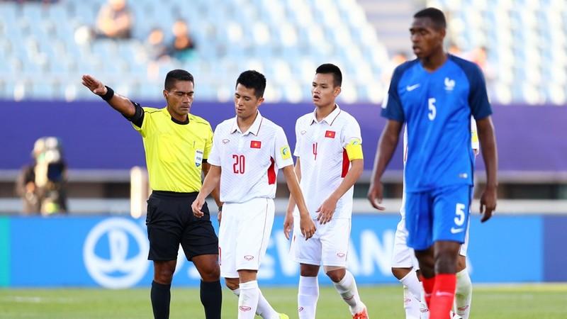 U-20 Việt Nam… cất bài - ảnh 1