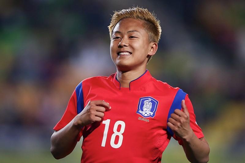 """HLV Hàn Quốc chê """"Messi Hàn"""" chưa đủ tuổi vào đội tuyển - ảnh 2"""