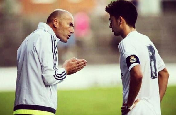 """Zidane """"tống khứ"""" con trai Enzo sang Alavez - ảnh 1"""