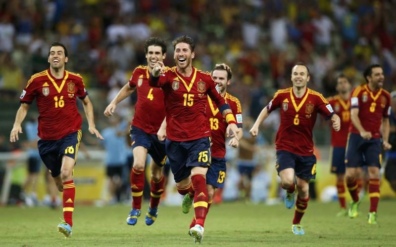 Cầu thủ Tây Ban Nha hãy tập trung vào bóng đá đi - ảnh 2