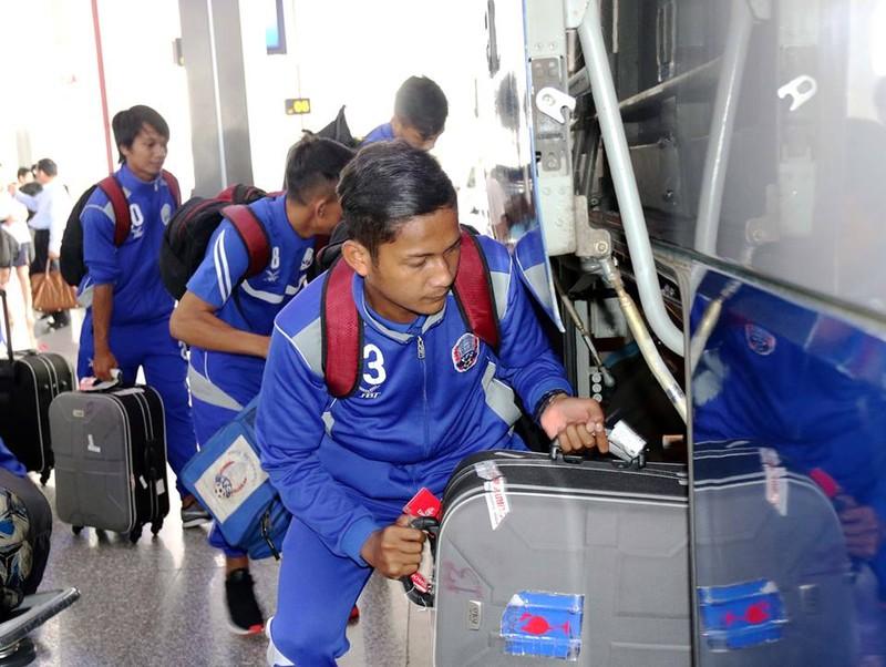 """Tuyển Campuchia đã đến Hà Nội, """"ủ mưu"""" thắng tuyển VN - ảnh 5"""