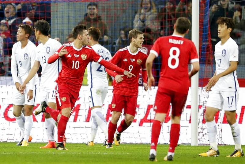 Hàn Quốc ghi bốn bàn vẫn thua 2-4 - ảnh 1