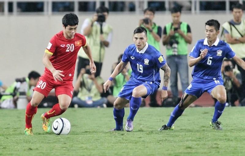 Bà bộ trưởng Thể thao Thái… bật lại quan chức bóng đá - ảnh 1