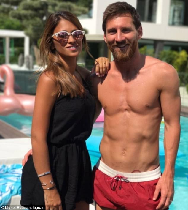 Messi trông 'gái rượu' như Beckham? - ảnh 2