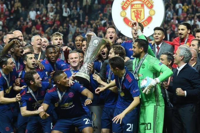 Mourinho: 'Tôi khổ... cũng vì tôi thôi' - ảnh 1