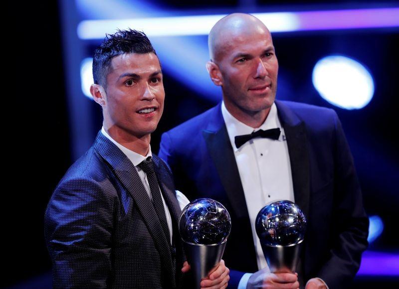 Thầy trò Zidane ẵm giải FIFA, Koeman bị trảm - ảnh 1