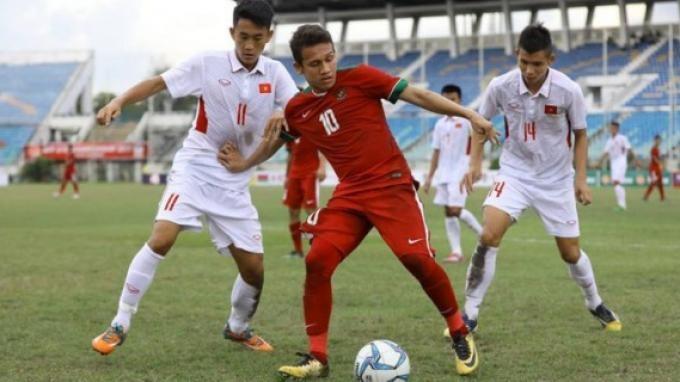 Ngoi lên không nổi, Indonesia tìm gen trội bóng đá  - ảnh 5