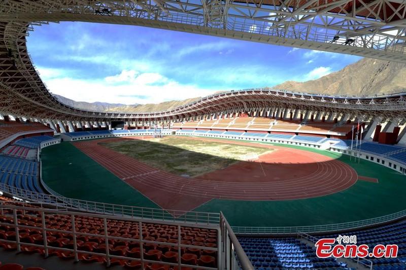 Trung Quốc có sân bóng độc nhất vô nhị thế giới - ảnh 1