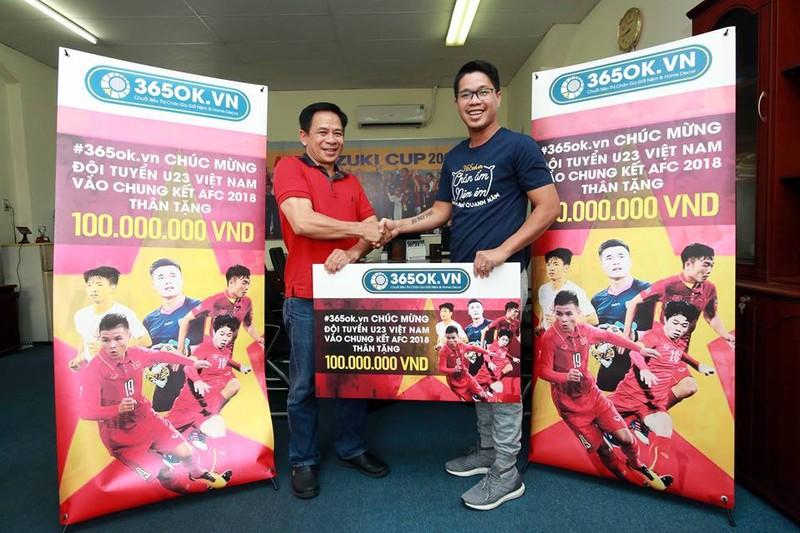 U-23 Việt Nam thắng sân lớn, quà nhiều 'sân nhỏ' - ảnh 1