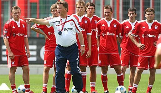Van Gaal thay thế Jupp Hyenckes ở Bayern - ảnh 1