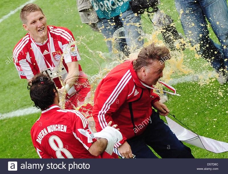 Van Gaal thay thế Jupp Hyenckes ở Bayern - ảnh 2