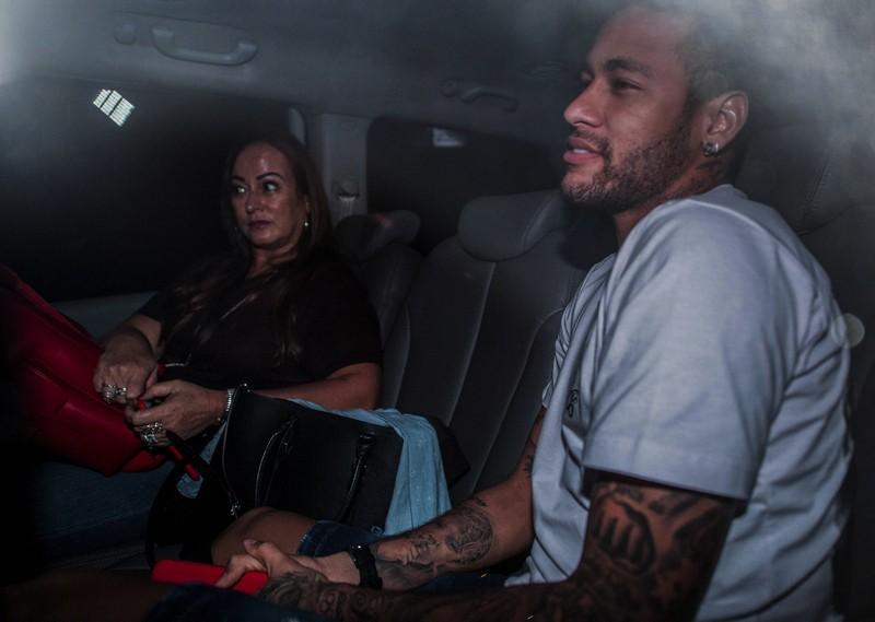Ca mổ của Neymar có rất nhiều... 'kền kền' - ảnh 4