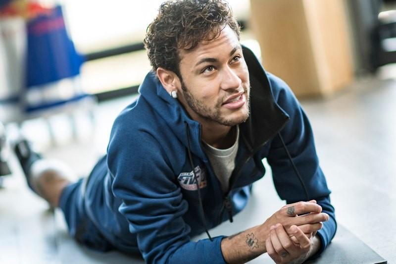 HLV Arigo Sacchi nói gì về chuyện Neymar? - ảnh 1