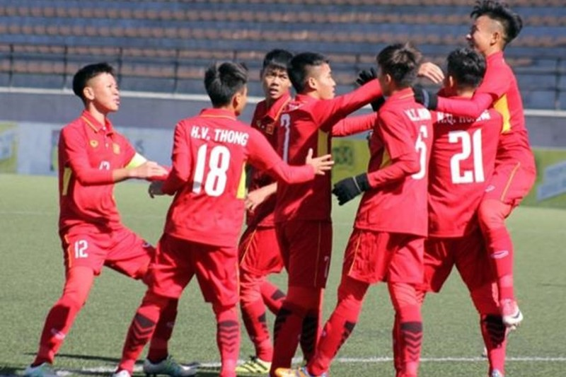Thủ môn Duy Dũng 2 lần giúp Việt Nam đả bại Thái Lan - ảnh 1