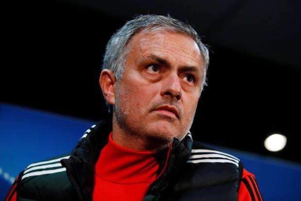 Mourinho chê F. de Boer là HLV tồi nhất Premier League - ảnh 2