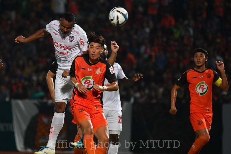 Kiatisak không cần Muangthong khi Tawan từ chức - ảnh 1