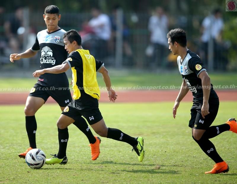 Dangda, Chanathip đối đầu với dàn sao Premier League - ảnh 5