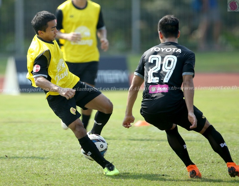 Dangda, Chanathip đối đầu với dàn sao Premier League - ảnh 6
