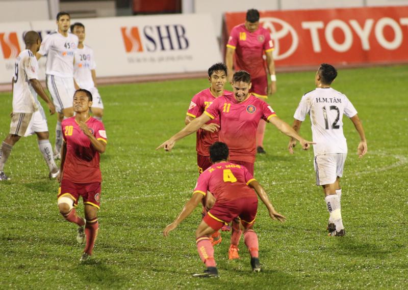 Derby TP.HCM: HLV Miura có 3 điểm đầu