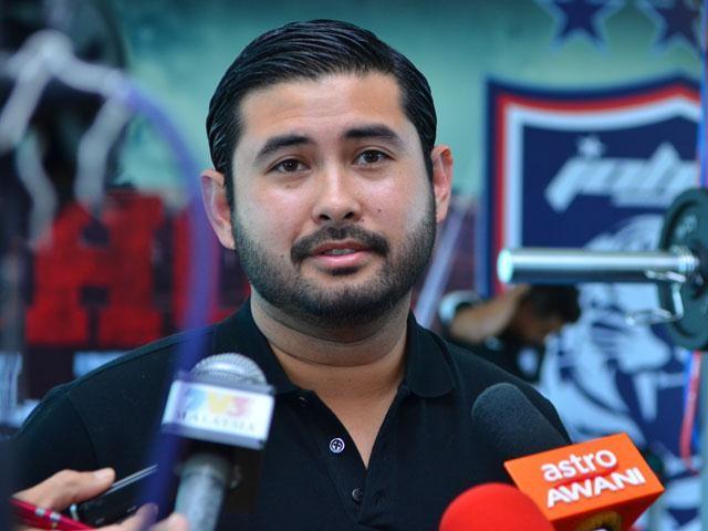 Hoàng tử Malaysia chính thức từ chức chủ tịch - ảnh 4