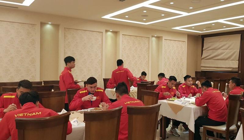 Cân sức trước khi tuyển Việt Nam làm khách Jordan - ảnh 7