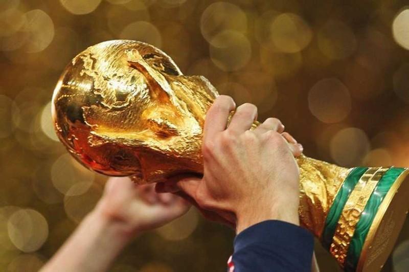 Fan bóng đá đổ xô đi học tiếng Nga - ảnh 1