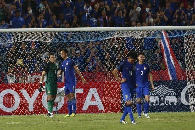 'Chơi bẩn' với Messi Thái, Slovakia vô địch - ảnh 1