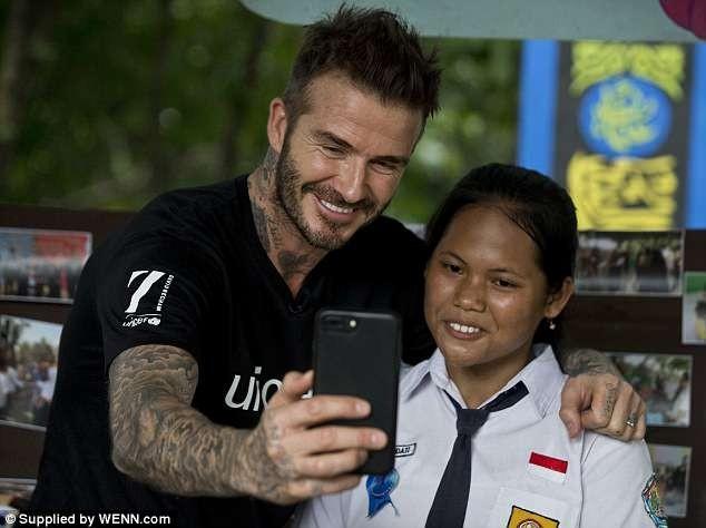 Beckham hộc tốc sang ĐNA giải quyết bạo lực học đường - ảnh 4