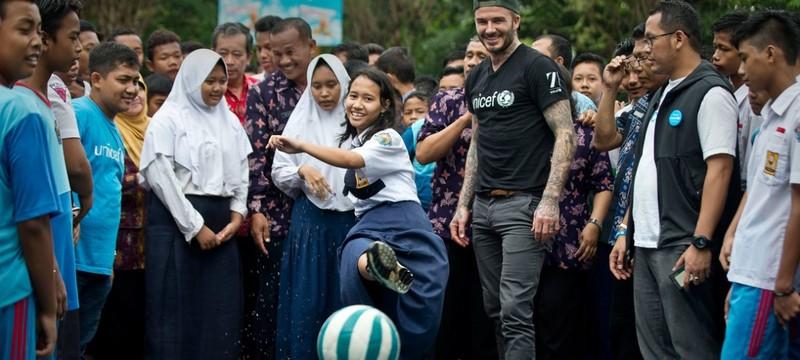 Beckham hộc tốc sang ĐNA giải quyết bạo lực học đường - ảnh 3