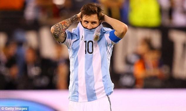 """Messi và  """"bóng ma"""" Maradona - ảnh 2"""