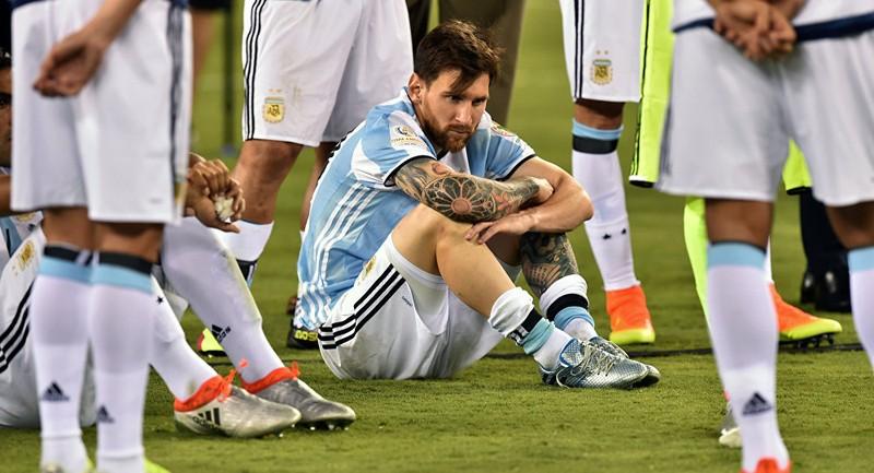 """Messi và  """"bóng ma"""" Maradona - ảnh 3"""
