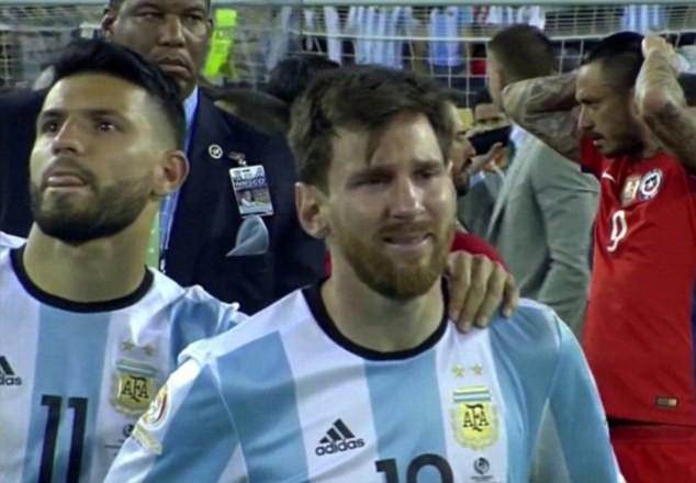 """Messi và  """"bóng ma"""" Maradona - ảnh 5"""