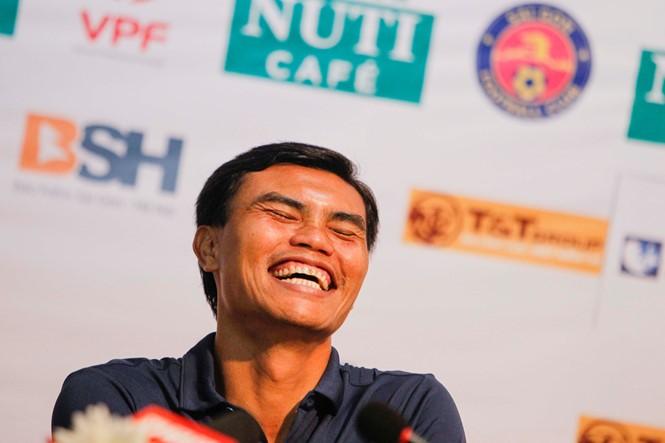 HLV Tài Em phấn khích với trận thắng đầu V-League  - ảnh 5