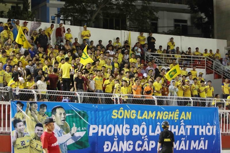 """Sài Gòn FC từ """"cõi chết"""" trở về nhờ cái duyên ông Khôi? - ảnh 6"""