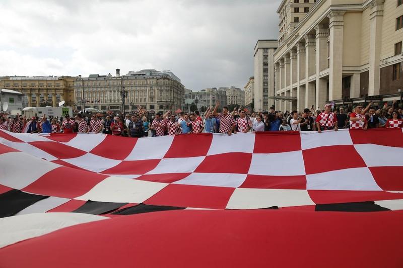 CĐV Anh và Croatia tưng bừng mở hội ở Moscow - ảnh 2